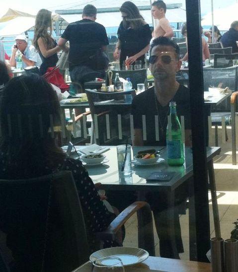 Dave Gahan eats in Tel Aviv