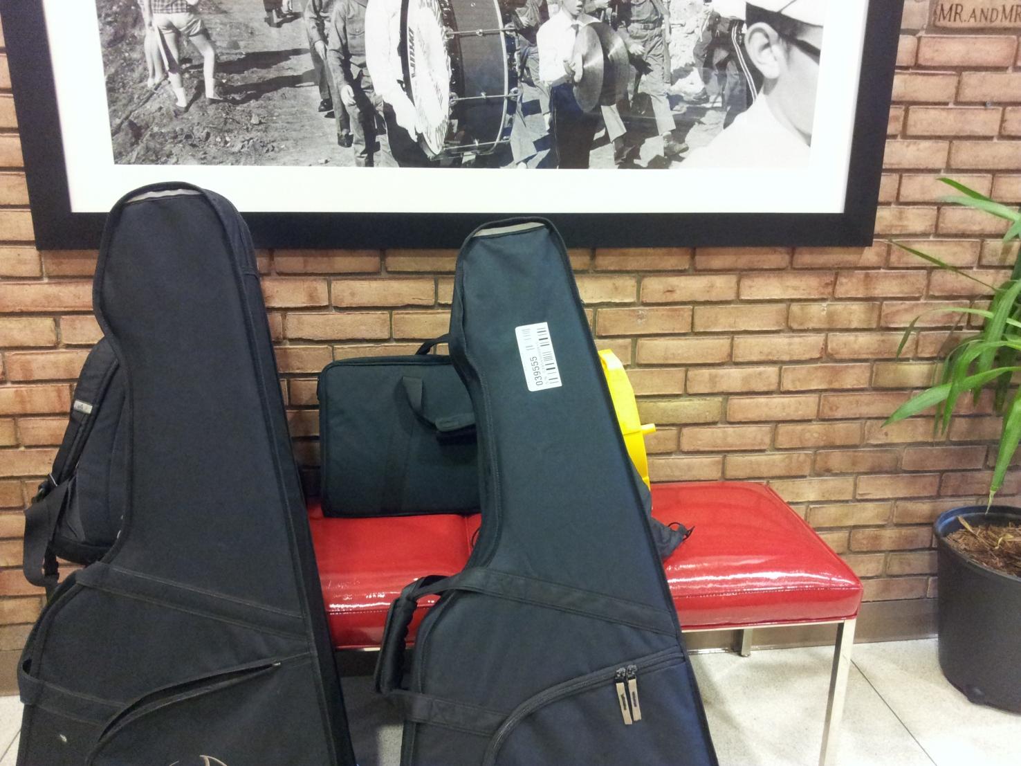 """סגול 59 מחלק טיפים למוסיקאי הישראלי בסיבוב הופעות בארה""""ב"""